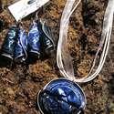 Nespresso kávékapszula újrahasznosított ékszerszett kék színben, Ékszer, Karkötő, Fülbevaló, Nespresso kávékapszulákból készült ez az ékszerszett, nyaklánc és fülbevaló tartozik hozzá. A medál ..., Meska