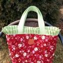 Vintage rózsás táska, Táska, Válltáska, oldaltáska, Varrás, Német patchwork minőségű textilből készült ez a táska, a két réteg között sűrű szövésű wliese van. ..., Meska