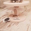 Torta állvány kicsi baby rose (halvány rózsaszín), Dekoráció, Konyhafelszerelés, Otthon, lakberendezés, Tálca, Mérete: 24 cm átmérő; 17 cm magas. Tömör fenyőfából kézzel készült., Meska