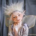 Tündér figura - Vincent mozgatható porcelán baba porcelánbaba manó kobold mesefigura fiú figura, Dekoráció, Otthon, lakberendezés, Képzőművészet, Mindenmás, Baba-és bábkészítés, Kerámia, Vincent - csibész tündér fiú  31 cm magas.  Kézműves porcelán baba.  Ennek a figurának a teljes tes..., Meska