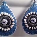 Kék  filc fülbevaló, Ékszer, Fülbevaló, Kézi varrással, hímzéssel készítettem, gyönggyel díszítettem a csepp alakú fülit. Mérete..., Meska