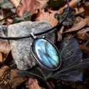 Labradorit medál, Ékszer, óra, Medál, Ékszerkészítés, Fémmegmunkálás, Tiffany technikával készült medál.   Ásvány - Labradorit  Medál hossza - 4 cm  Az ónozáshoz ólommen..., Meska