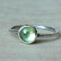 Ezüst Olivin gyűrű, Olivin (7mm) ezüstbe foglalva.   Ezüstékszereim...