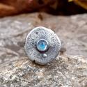 Ezüst Holdkő gyűrű - NORICUM , Holdkő (4mm) ezüstbe foglalva.   Noricum a Róma...