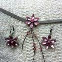Rózsaszín virág köves nyaklánc fülbevalóval, Ékszer, Rózsaszín köves nyaklánc fülbevalóval strasszkövekkel, Meska