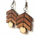 Mahagóni-Natúr fa fülbevaló, Ékszer, Fülbevaló, Barna mahagóni natúr fa fülbevaló Nikkelmentes 2,5x3,5 cm, Meska
