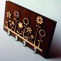 Virágos kulcs és levéltartó, Otthon, lakberendezés, Falra akaszthatós virág mintás levél és kulcstartó 3mm-es fából Mérete: 200 mm x 110 mm x 14 mm..., Meska