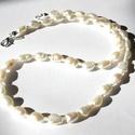Alabástrom - 4 részes tenyésztett gyöngy szett, Ékszer, Ékszerszett, A szett 10-12 mm-s ekrü színű tenyésztett gyöngyökből és szintén ekrü csillogó kásagyön..., Meska
