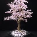 Gyöngyfa lilában II, Dekoráció, Dísz, 20 cm magas, csillogó fazettált gyöngyökből fűzött fa. Lila, lila, lilaaaa....:-), Meska