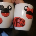 Mr és Mrs feliratú, Mickey és Minnie díszítésű bögre, Dekoráció, Konyhafelszerelés, Mindenmás, Szerelmeseknek, Gyurma, Lepd meg párod páros bögrécskével, amiből szép reggeleken együtt kávézhattok avagy romantikus esték..., Meska