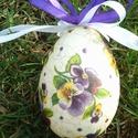 Húsvéti tojás, Húsvéti díszek, Dekoráció, Ünnepi dekoráció, Decoupage, transzfer és szalvétatechnika, Festészet, Árvácskás húsvéti hangulat :) Polisztirol alapra festett repedezett felületű különleges húsvéti toj..., Meska