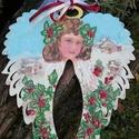 Karácsonyi angyal, Dekoráció, Otthon, lakberendezés, Ünnepi dekoráció, Decoupage, transzfer és szalvétatechnika, Festészet, Angyal szárny formáju fa lap. Gyönyörű festett angyalkával és téli motivumokkal.A fa lap felületén ..., Meska