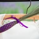 levendula buzogány, Dekoráció, Otthon, lakberendezés, Fonás (csuhé, gyékény, stb.), Virágkötés, Saját termesztésű levendulából, különböző színű szaténszalaggal szövött buzogány. Kellemes illatát ..., Meska