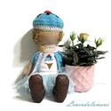 """""""Caroline"""" fagyi sapkás baba, Játék, Dekoráció, Baba, babaház, Játékfigura, Caroline egy 27 cm magas kedves, ölelni való kislány baba. Teste puha jersey anyagból készült, pulcs..., Meska"""