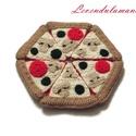 Horgolt pizza, Játék, Játékfigura, Olasz hon kedvenc étele, a pizza már a babakonyhába való horgolt verzióban is kapható. A könnyű tész..., Meska
