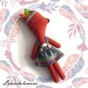 Indián rókalány, Játék, Dekoráció, Plüssállat, rongyjáték, Ez az rókalány kicsit más mint a társai. Szeret két lábra állni indiánnak öltözni. Ilyenkor tollas f..., Meska
