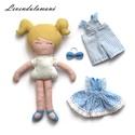 """""""Lotti"""" öltöztethető baba, Dekoráció, Játék, Plüssállat, rongyjáték, Lotti kedvenc színe a kék és nagyon szeret öltözködni.  Minden reggel filcből készült, szőke hajába ..., Meska"""