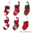 Horgolt zoknik (karácsonyfa díszek), Dekoráció, Karácsonyi, adventi apróságok, Ünnepi dekoráció, Karácsonyi dekoráció, Pamut fonalból horgoltam a kis karácsonyi zoknikat. Két kis csengővel és filcből kivágott levélkével..., Meska
