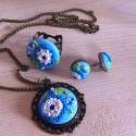 Kék virágos nyaklánc, Ékszer, óra, Gyűrű, Nyaklánc, Fülbevaló, Gyurma, Ékszerkészítés, A szett tartalmaz :  1 pár fülbevaló 1 nyaklánc ( 50 cm hosszú)  1 db gyűrűt   A szett tartalma kér..., Meska