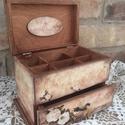 Vintage ékszertartó, Ékszer, Dekoráció, Otthon, lakberendezés, Ékszertartó, Ezt a dobozkát igazi vintage stílusba öltöztettem, gyönyörú kiegészítője lehet lakásodnak, de termés..., Meska