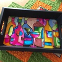 Kínáló tálca - üvegfestmény, Képzőművészet, Konyhafelszerelés, Tálca, A kínáló tálca mérete 30 cm x 20 cm. Alapja festett üveg, kerete és fogantyúja fa.  Használ..., Meska