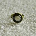 Fehér csigaházas gyűrű, Ékszer, Gyűrű, Mindenmás, Fehér csigaházból készült egyedi gyűrű. Ökogyantából készült, így abszolút természetes gyűrű készül..., Meska