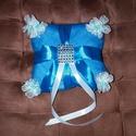 Csupa kék gyűrűpárna, Esküvő, Gyűrűpárna, Általam varrt, egyedi elképzelés alapján. Kék tüll, selyemszalag, strassz és virágok :) Kb. ..., Meska