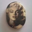 Marilyn Monroe cabochon, Egyedileg süthető gyurmából készített caboch...