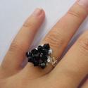 Swarovski gyöngy gyűrűk, Ékszer, Gyűrű, Gyöngyfűzés, Különböző alakú, Swarovski gyöngyből készült gyűrűk. A gyűrű szára japángyöngyből készült.   Mérete..., Meska