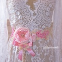"""""""Tündér rózsa"""" csipkés romantikus menyasszonyi vagy alkalmi ruha dísz, öv, Esküvő, Ruha, divat, cipő, Hajdísz, ruhadísz, Öv, Romantikus jegyben alkottam ezt a csipkés menyasszonyi ruha díszt. A rózsák szirmait egyenként ..., Meska"""