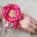 """"""" Lola"""" pink pezsgő virágos dísz, csuklódísz, fejdísz, kitűző, Esküvő, Ruha, divat, cipő, Hajdísz, ruhadísz, Hajbavaló,  Pink szatén illetve pezsgő színű düchesse szatént használtam fel ehhez a virág díszhez, me..., Meska"""