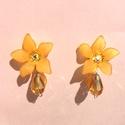Napsugár virágos klipszes fülbevaló, Ékszer, óra, Esküvő, Fülbevaló, Esküvői ékszer, Ékszerkészítés, Klipsz fülbevaló alapra ragasztottam egy egy csillag alakú, matt akril virágot, narancsos színben. ..., Meska