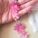 """"""" Vattacukor"""" virág fülbevaló, Esküvő, Ékszer, Esküvői ékszer, Fülbevaló, Rózsaszín liliom, és rózsaszín kis harangvirágok csorognak egy kis fürtben. Fagyos hatású m..., Meska"""