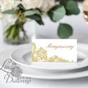 Esküvői ültető kártya, Elegáns, Arany, Csipke, ültető, hely, asztal, névkártya, Esküvői dekor, Beige, Esküvő, Naptár, képeslap, album, Meghívó, ültetőkártya, köszönőajándék, Esküvői dekoráció, Igényes, sátras, két oladalas asztali ültetőkártya  MÉRETE összehajtva: kb: 4.5x9.2cm  * SZERKESZTÉS..., Meska