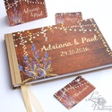 Esküvői Emlékkönyv, Lila levendulás, könyv, rusztikus, bohém, réti virágos, Esküvői vendégkönyv, fényfüzér, pajta, tanya, Esküvő, Naptár, képeslap, album, Nászajándék, Esküvői dekoráció, Esküvői emlékkönyv, vendégkönyv Arany gerinccel és szalaggal  MÉRET: Fekvő A5 Ha szükséges más méret..., Meska
