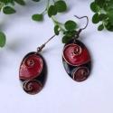Piros - fekete cirbolya tűzzománc fülbevaló, Ékszer, Fülbevaló, Erőteljes és szeretetteljes piros és fekete színű, indás, spirálos díszítésű egyedi fülbevaló pár, r..., Meska