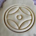 Kanku (a Kyokushin karate szimbóluma) sütikiszúró, Férfiaknak, Egyéb, Otthon & lakás, Konyhafőnök kellékei, Konyhafelszerelés, Saját tervezésű és 3D-nyomtatású  süteménykiszúró forma.  A jel a kyokushin karate szimbóluma. Az al..., Meska