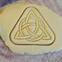 Triquetra a kelta csomó sütikiszúró, Egyéb, Férfiaknak, Konyhafőnök kellékei, Saját tervezésű és 3D-nyomtatású  süteménykiszúró forma.  Eredetileg a Triquetra a kelta anya istenn..., Meska