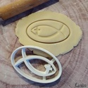 Ikhthüsz (keresztény vallási jelkép) sütikiszúró, Egyéb, Férfiaknak, Konyhafőnök kellékei, Saját tervezésű és 3D-nyomtatású  süteménykiszúró forma.  Az ikhthüsz (görögül ΙΧΘΥΣ, latinul ichtys..., Meska