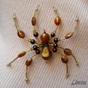 Pók méz-színekben (kitűző, bross), Ékszer, Bross, kitűző, Medál, Anyaga-gyöngyök, drót, kitűzőalap.  Mérete - 9 x 10 cm  Mivel a bross drót alapon készült, ..., Meska