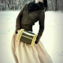 'Bronzos rózsák'  Kézmelegítő(muff), Táska, Ruha, divat, cipő, Kendő, sál, sapka, kesztyű, Kesztyű, Varrás, -szélein rózsa mintás műszőrme, alap bronz színű impregnált szövet -méret: 22x26cm -pánt hossz: 105..., Meska