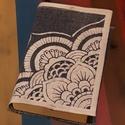 Farmer könyvborító nagy mandala mintával, Képzőművészet, Textil, Vegyes technika, Farmer újrahasznosítva, krétafestékkel dekorálva. A példának használt könyv méretei: 20 x ..., Meska