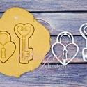A kulcs a szívedhez - Szerelem, szeretet, egyedi esküvői sütemény kiszúró Valentin napra, Esküvő, Konyhafelszerelés, Szerelmeseknek, Add a kulcsot a szívedhez a kezébe...mondjuk linzertésztából...miért ne? ;-)   Míves kulcs é..., Meska