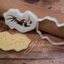 Dinoszaurusz koponya süteménykiszúró forma - Dínó koponya süti forma, dínó koponya linzer, keksz forma (3.), Konyhafelszerelés, Baba-mama-gyerek, Dínós sorozatunk következő tagja:   dinoszaurusz koponyát formázó sütemény kiszúrót / szaggatót kész..., Meska