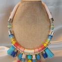 Rainbow  nyakék, Ékszer, Nyaklánc, Ékszerkészítés, A szivárvány minden színéből készült nyakék.  Selyem,és hímző fonállal tekertem,üveg, kő, műanyag g..., Meska