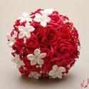 Vörös rózsás gyöngyös  menyasszonyicsokor szett - Rendelhető!, Esküvő, Esküvői csokor, Vörös habrózsából és halvány ekrü csillogó ékköves jázmin virágokkal kötöttem ezt a menyasszonyi cso..., Meska