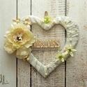 Mr and Mrs szívkoszorú, Esküvő, Esküvői dekoráció, Ekrü szívkoszorú fotózáshoz, szépséges selyemvirágokkal díszítettem.  A terméket ajánlottan postázom..., Meska