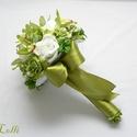 Zöld ajándékcsokor, Esküvő, Esküvői csokor, Azonnal elviheted ezt a szépséget, már kész van, megrendelni sem kell!:)  Zöld és fehér habrózsákból..., Meska