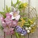 Buja tavaszi virágos koszorú nyuszival, Dekoráció, Otthon, lakberendezés, Ünnepi dekoráció, Húsvéti apróságok, Koszorú, A sárga nyuszi elbújt a sok-sok tavaszi virág közt...keresd meg...  A dísz átmérője kb. 26cm  Az ár ..., Meska
