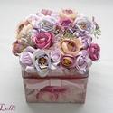 Rosebox virágdoboz, Esküvő, Dekoráció, Otthon, lakberendezés, Esküvői dekoráció, Különleges egyedi selyemvirágokkal díszített mályva díszdoboz. 13x13cm-es magassága 16cm  A többi te..., Meska